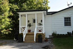 Catchacoma cottage renovation - covered porch