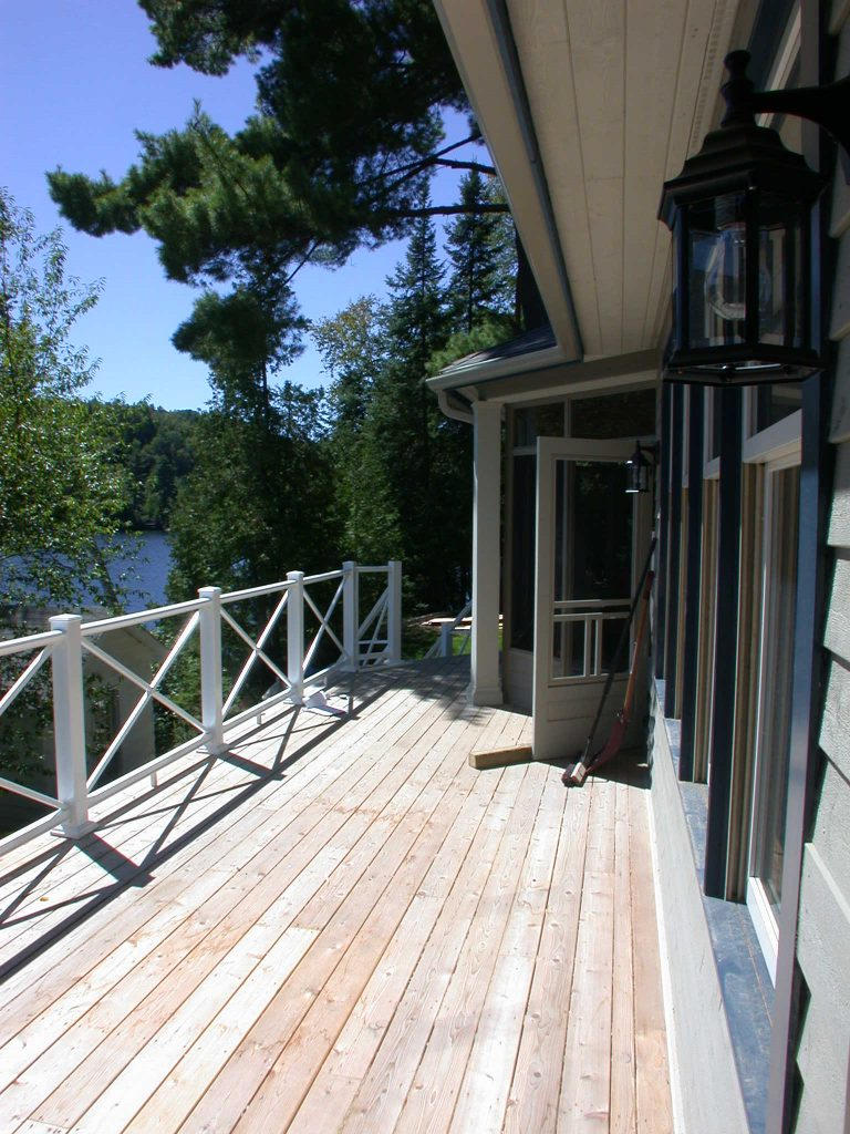 r2000 custom home - deck