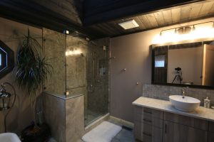 showroom and bathroom - after