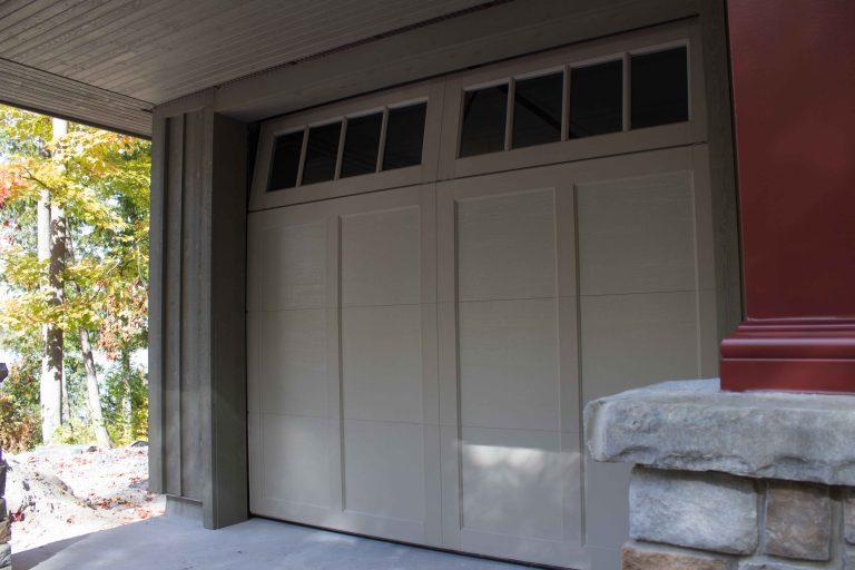 Buckhorn garage - close up of door
