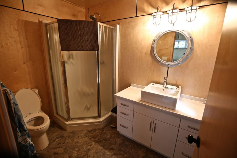 custom stoney lake cottage - Bathroom