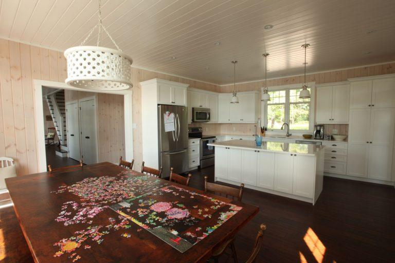 stoney lake custom cottage build-kitchen table