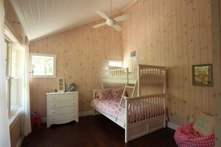 stoney lake custom cottage build-kid's bedroom