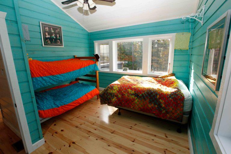 lakefield cottage build - bunkbeds