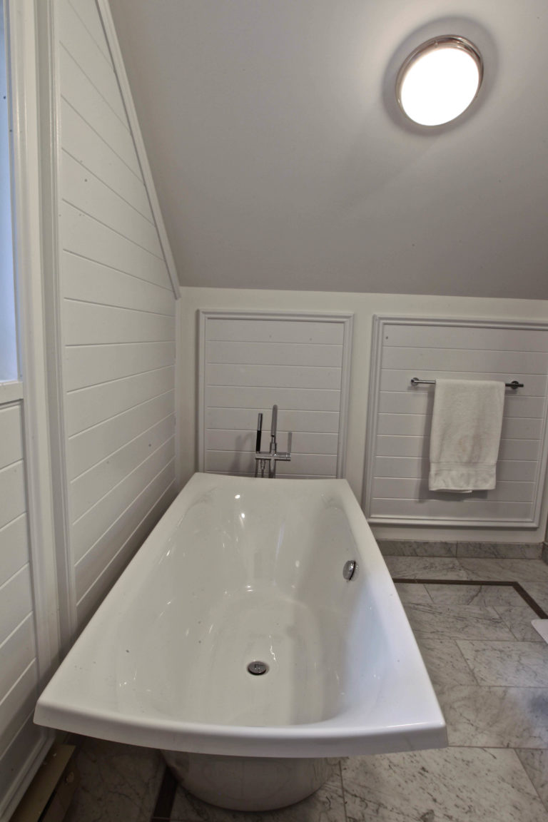 Stoney Lake Bathroom Renovation - Tub View