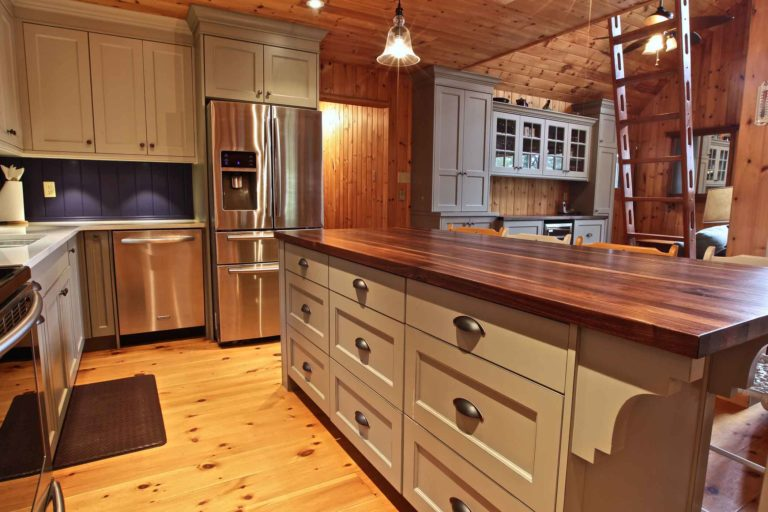 Stoney Lake island cottage renovation - kitchen island