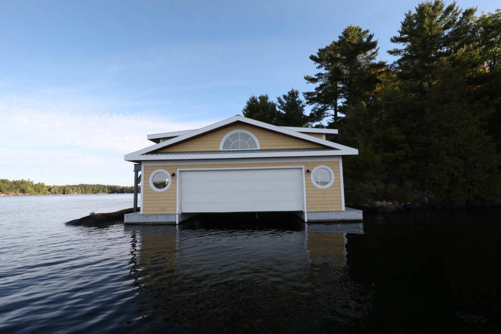 Island Boathouse Stoney Lake7