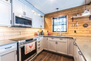 Buckhorn Custom Cottage (55)